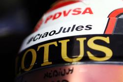 El casco del Pastor Maldonado, Lotus F1 Team con un homenaje a Jules Bianchi