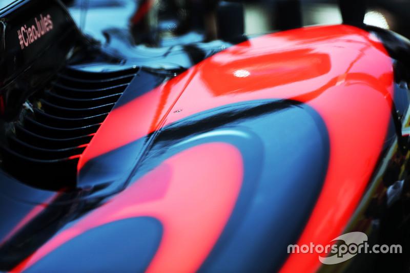 McLaren MP4-30 sidepod