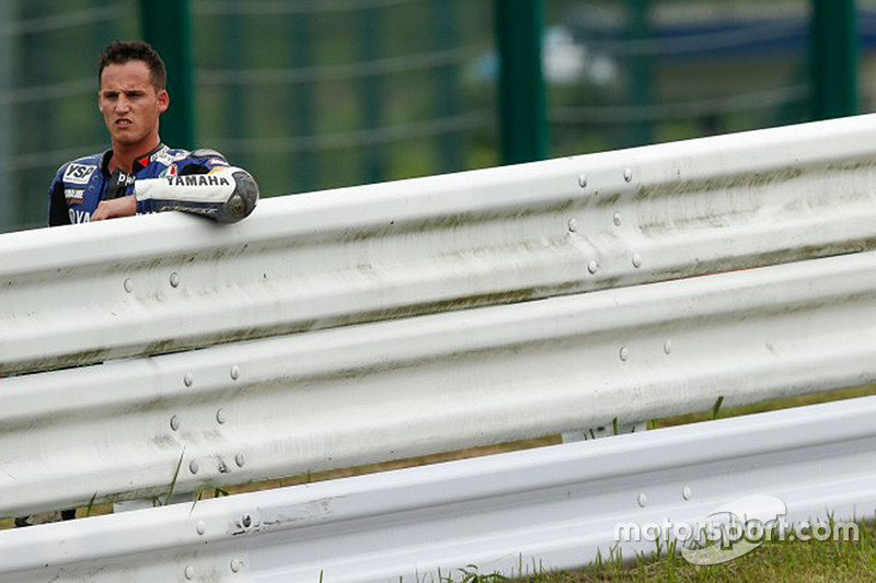 #21 Yamaha: Pol Espargaro menyaksikan setelah mengalami tabrakan
