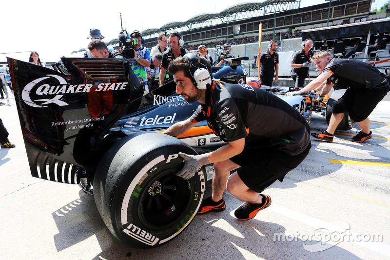 Sergio Perez, Sahara Force India F1 VJM08 di pit