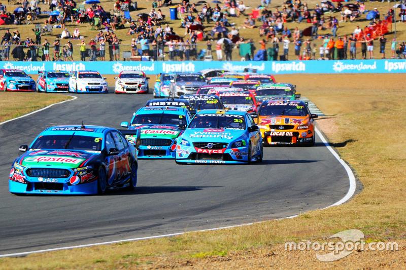 Марк Вінтерботтом лідирує на старті, Prodrive Racing Australia Ford