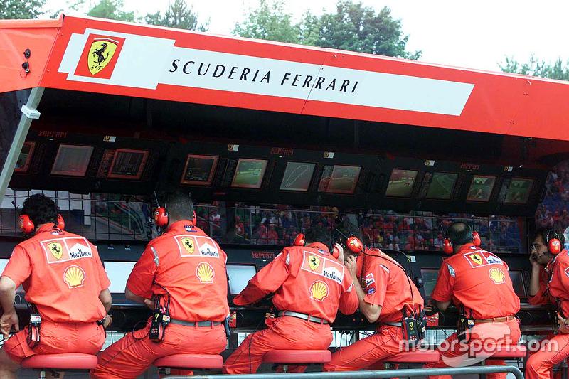 Ferrari pit pórtico