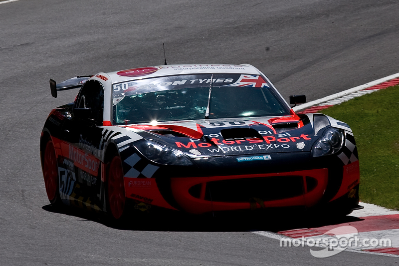 #50 Professional World Racing Expo G55: Ginetta GT4: Graham Johnson, Mike Робінсин