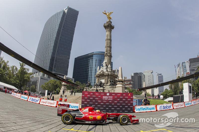 Показательные заезды в Мехико, август. Эстебан Гутьеррес