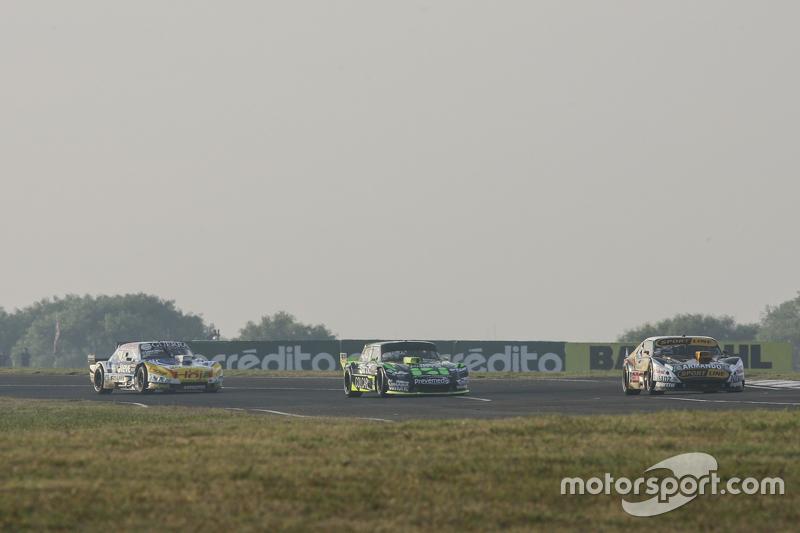 Leonel Pernia, Las Toscas Racing Chevrolet and Mauro Giallombardo, Maquin Parts Racing Ford and Josito di Palma, CAR Racing Torino