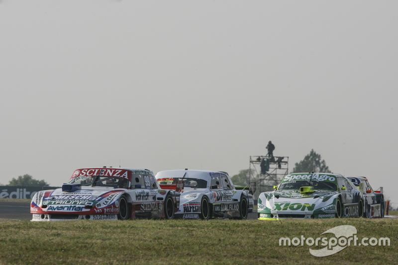 Матіас Халаф, Catalan Magni Motorsport Ford та Леонел Сотро, Alifraco Sport Ford та Агустін Канапіно, Jet Racing Chevrolet