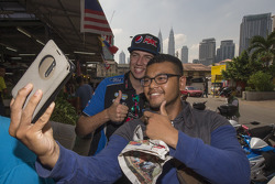 Chaz Mostert, Prodrive Racing Australia visita Kuala Lumpur, Malaysia