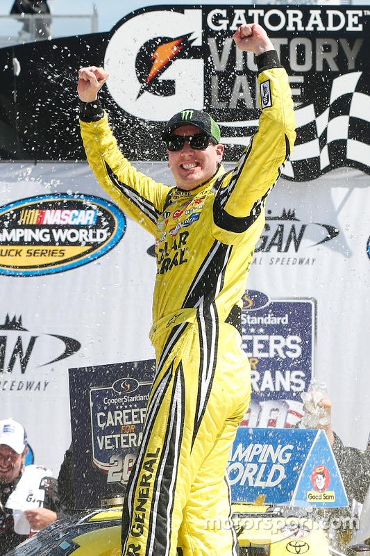 Winner Kyle Busch, Kyle Busch Motorsports Toyota