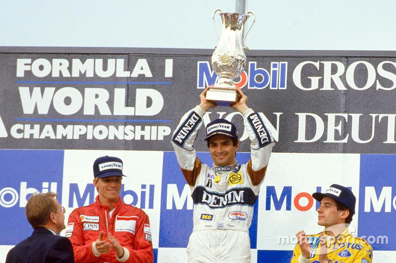 Podio: ganador de la carrera de Nelson Piquet, Williams, segundo lugar Stefan Johansson, Ferrari, el tercer lugar Ayrton Senna, Lotus