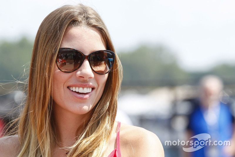 Ashley Van Metre, kekasih Kurt Busch