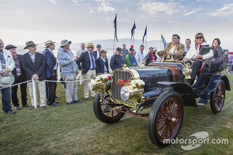 Gary & Sheryl Hunter, unique 1904 Pope-Toledo Type IV Rear Entrance Tonneau