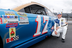 Ricky Stenhouse Jr. and his throwback David Pearson scheme