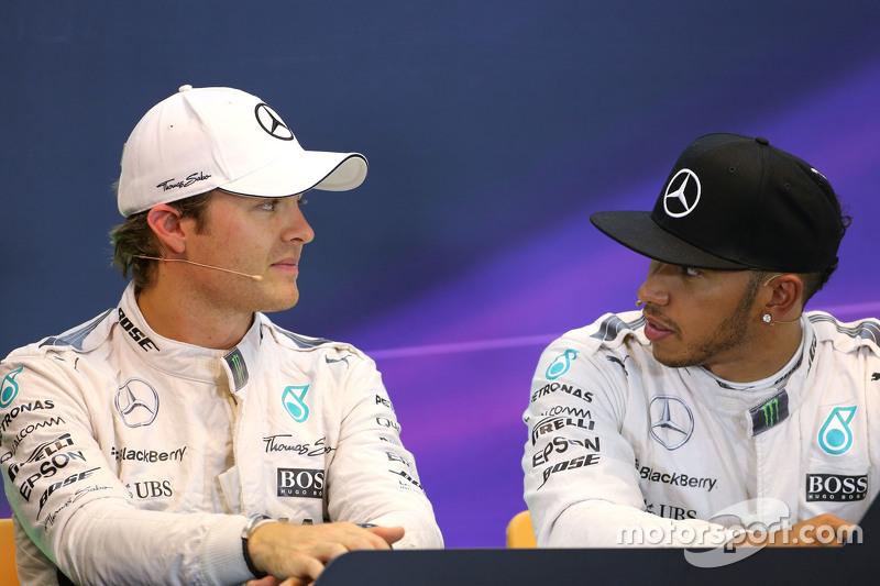 Nico Rosberg, Mercedes AMG F1 Team, dan Lewis Hamilton, Mercedes AMG F1 Team