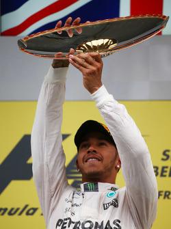 Posisi Pertama Lewis Hamilton, Mercedes AMG F1 W06