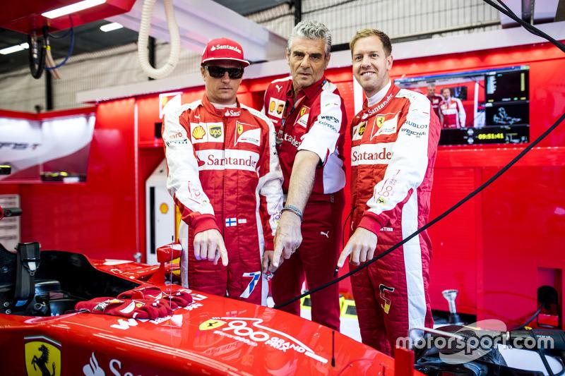 Kimi Räikkönen, Maurizio Arrivabene und Sebastian Vettel, Ferrari, SF15-T