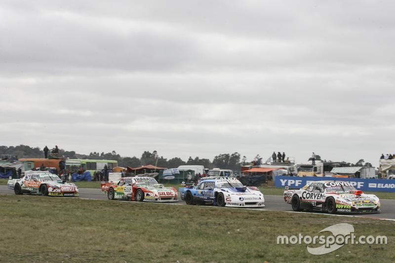 Juan Marcos Angelini, UR Racing Dodge dan Federico Alonso, Taco Competicion Torino dan Mariano Altuna, Altuna Competicion Chevrolet dan Facundo Ardusso, Trotta Competicion Dodge