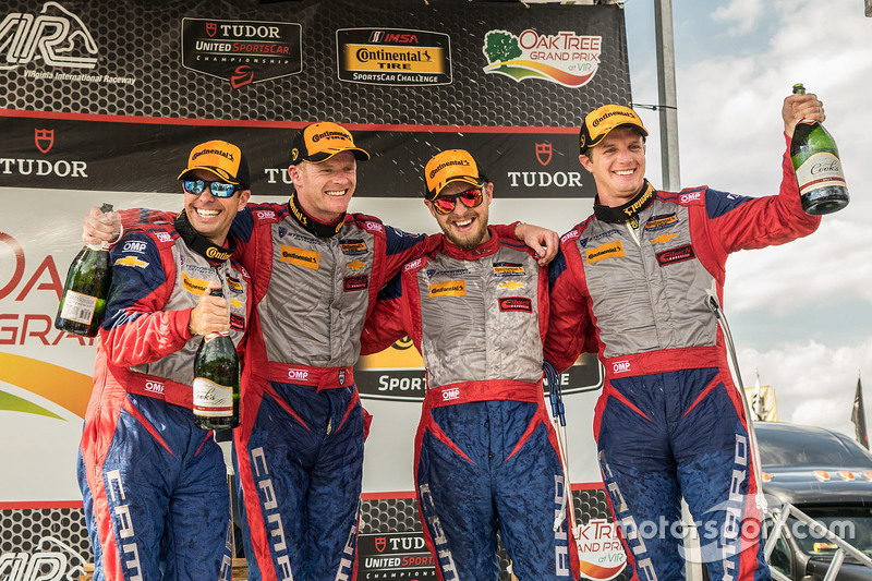Peringkat kedua #9 Stevenson Motorsports Chevrolet Camaro Z/28.R: Lawson Aschenbach, Matt Bell, dan