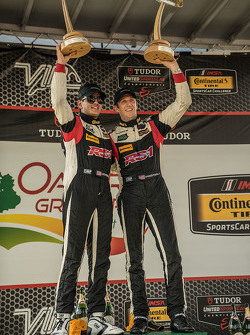 Ganadores de carreras # 17 RS1 Porsche Cayman: Spencer Pumpelly, Luis Rodríguez Jr.
