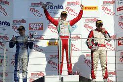Course 3, le podium : le vainqueur Ralf Aron Prema Power Team, le deuxième David Beckmann, Mucke Motorsport, et le troisième Marcos Siebert, Jenzer Motorsport