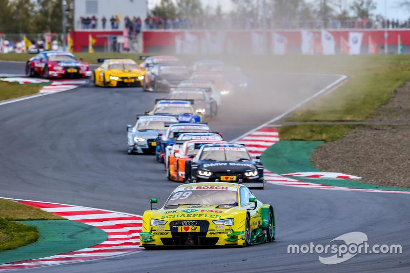 Start: Mike Rockenfeller, Audi Sport Team Phoenix Audi RS 5 DTM leads