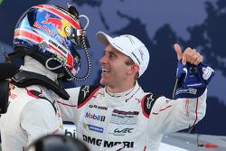Ganadores, Mark Webber, Porsche Team y Timo Bernhard