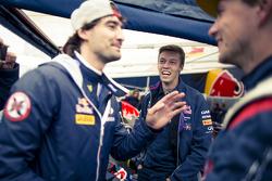 Timur Timerzyanov und Daniil Kvyat, Red Bull Racing und Nikita Shikov