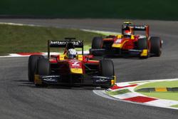 Джордан Кинг, Racing Engineering едет впереди Александра Росси, Racing Engineering