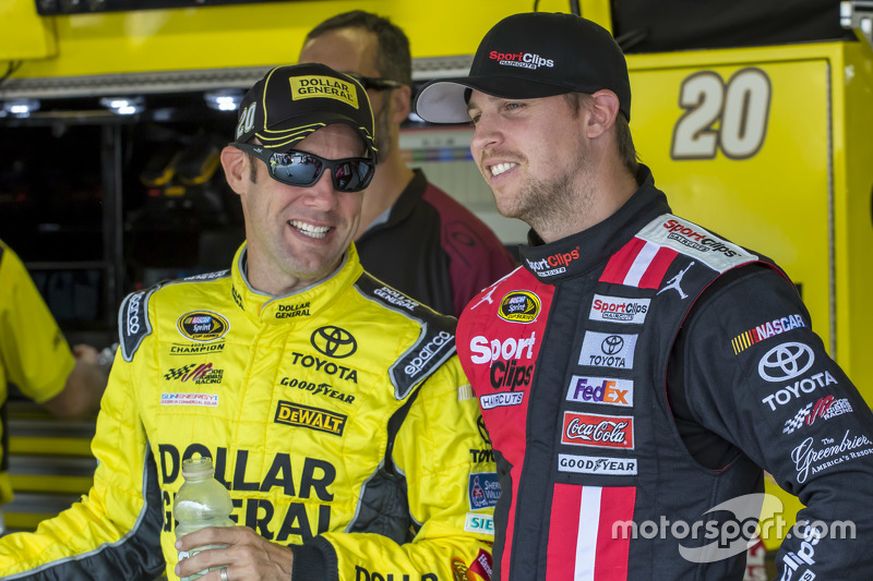 Matt Kenseth, Joe Gibbs Racing Toyota ve Denny Hamlin, Joe Gibbs Racing Toyota