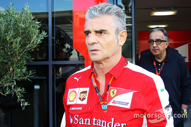 Maurizio Arrivabene, Ferrari Team Principal with Sergio Marchionne, Ferrari President and CEO of Fia