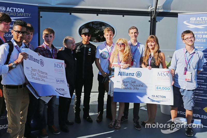 Jean Todt, presidente de la FIA y Lewis Hamilton, Mercedes AMG F1 promociona el FIA Road Safety