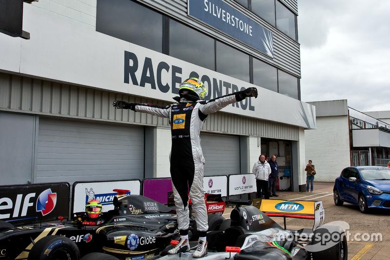 Race winner Tio Ellinas, Strakka Racing