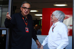 Sergio Marchionne, Ferrari President and CEO of Fiat Chrysler Automobiles com Bernie Ecclestone