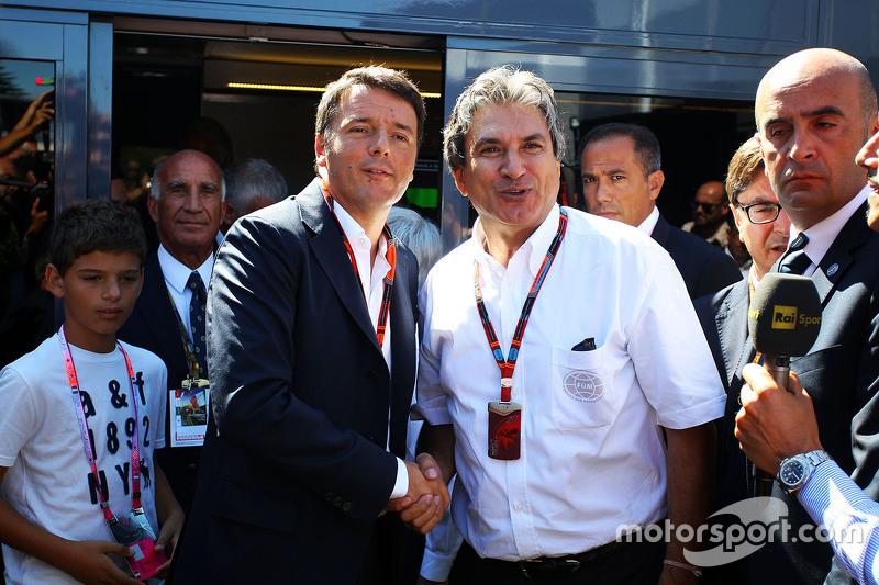 Matteo Renzi, italienischer Ministerpräsident, mit Pasquale Lattuneddu vom FOM