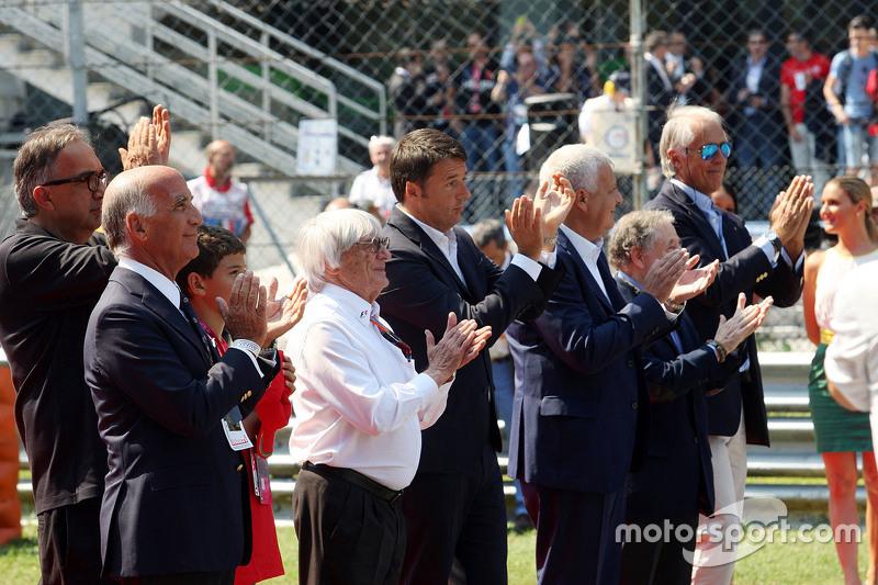 Dr. Angelo Sticchi Damiani, ACI-CSAI-Präsident; Sergio Marchionne, Ferrari-Präsident; Bernie Ecclestone; Matteo Renzi, italienischer Ministerpräsident, und Gian Luca Galletti, Minister, mit  Jean Todt, FIA-Präsident