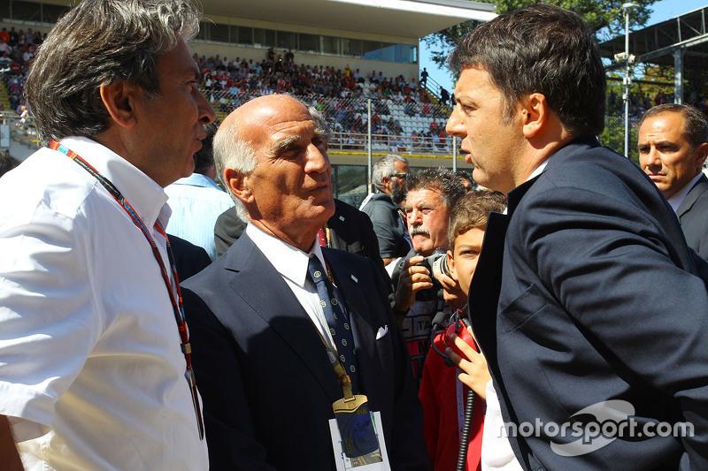 Pasquale Lattuneddu of the FOM with Dr Angelo Sticchi Damiani, Aci Csai President and Matteo Renzi,