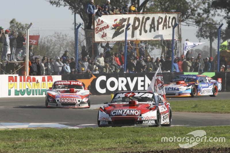 Матіас Россі, Donto Racing Chevrolet та Ніколя Троссе, Maquin Parts Racing Torino та Крістіан Ледесм