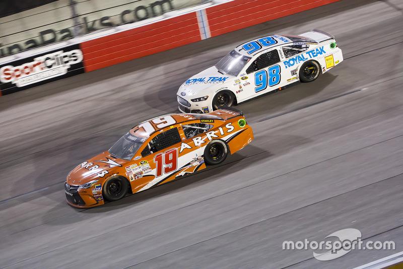 Карл Едвардс, Joe Gibbs Racing Toyota та Т.Д. Белл