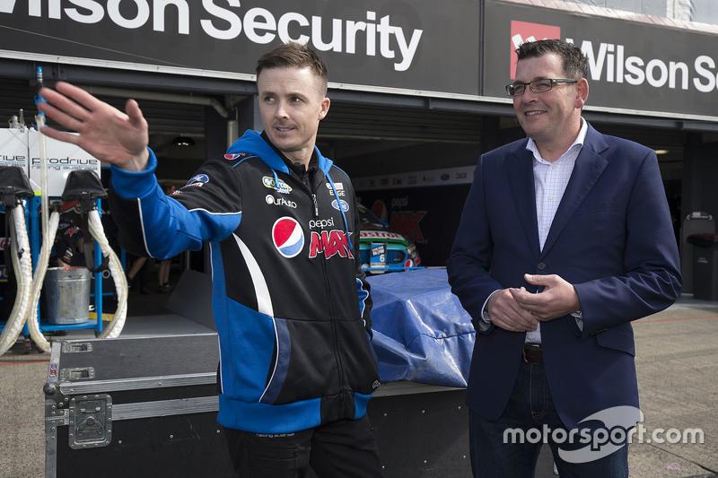 Марк Вінтерботтом, Prodrive Racing Australia з прем'єр міністром Деном Ендрюс