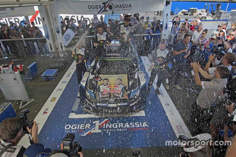 1. und Rallye-Weltmeister 2015: Sébastien Ogier und Julien Ingrassia, Volkswagen Polo WRC, Volkswage