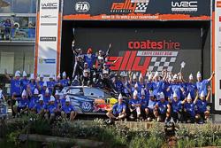 Winners and 2015 WRC champions Sébastien Ogier and Julien Ingrassia, second place Jari-Matti Latvala