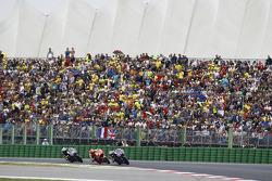 Хорхе Лоренсо, Yamaha Factory Racing и Марк Маркес, Repsol Honda Team и Валентино Росси, Yamaha Factory Racing