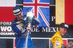 Podium: race winner Nigel Mansell, third place Michael Schumacher