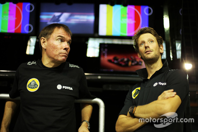 Alan Permane, Lotus F1 Team Trackside Operations Director with Romain Grosjean, Lotus F1 Team