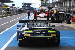Aston Martin in pitlane