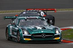 #21 Блек Фалкон Mercedes SLS AMG GT3: Хуберт Хаупт, Абдулазіз аль-Фейсал, Йелмер Бурман
