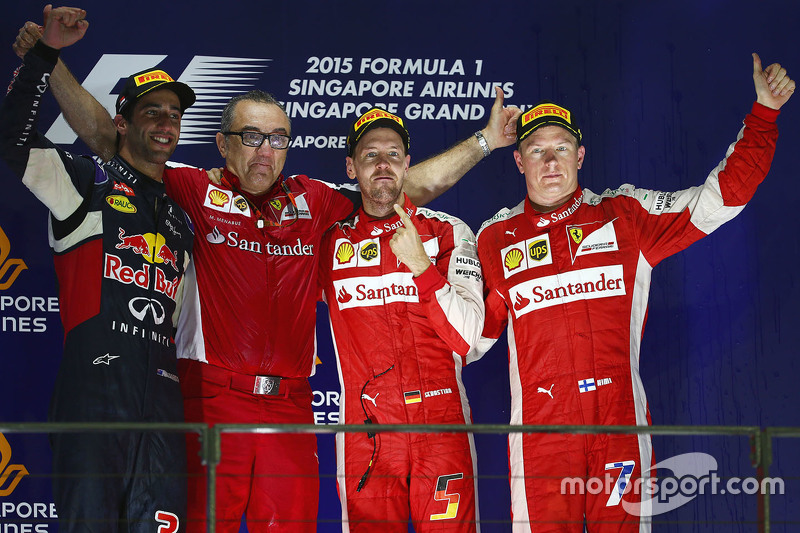 Pódio: Sebastian Vettel, Ferrari, Daniel Ricciardo, Red Bull Racing, e Kimi Raikkonen, Ferrari