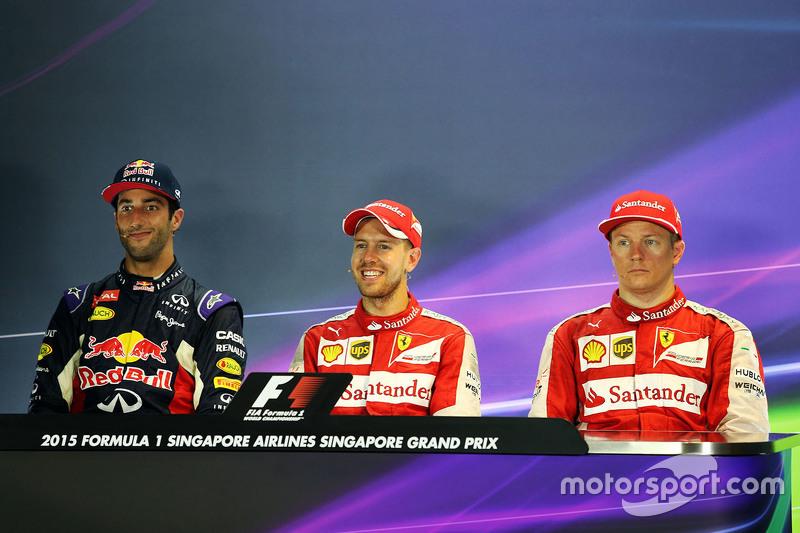 Sebastian Vettel, Ferrari, Daniel Ricciardo, Red Bull Racing, e Kimi Raikkonen, Ferrari