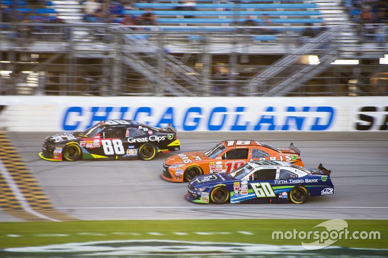 Кріс Бюшер, Roush Fenway Racing Ford та Даніель Суарез, Joe Gibbs Racing Toyota та Кейсі Кейн, JR Motorsports Chevrolet