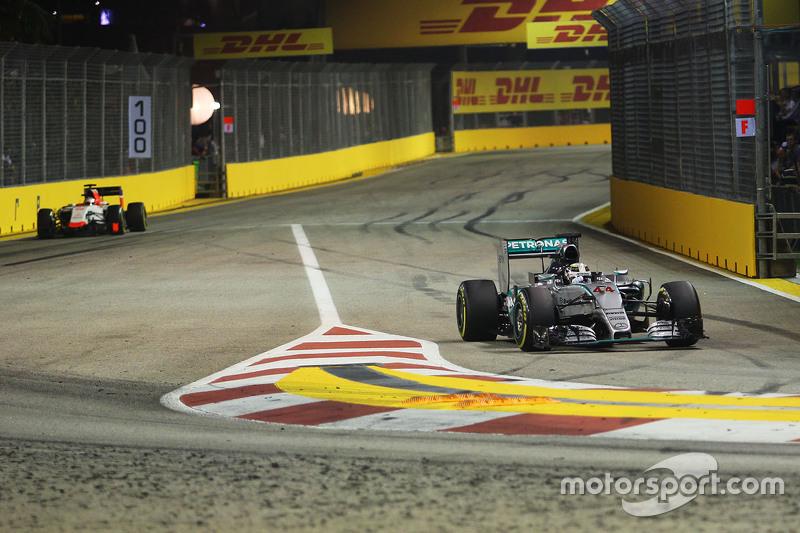 Lewis Hamilton, Mercedes AMG F1 Team, fährt in die Box