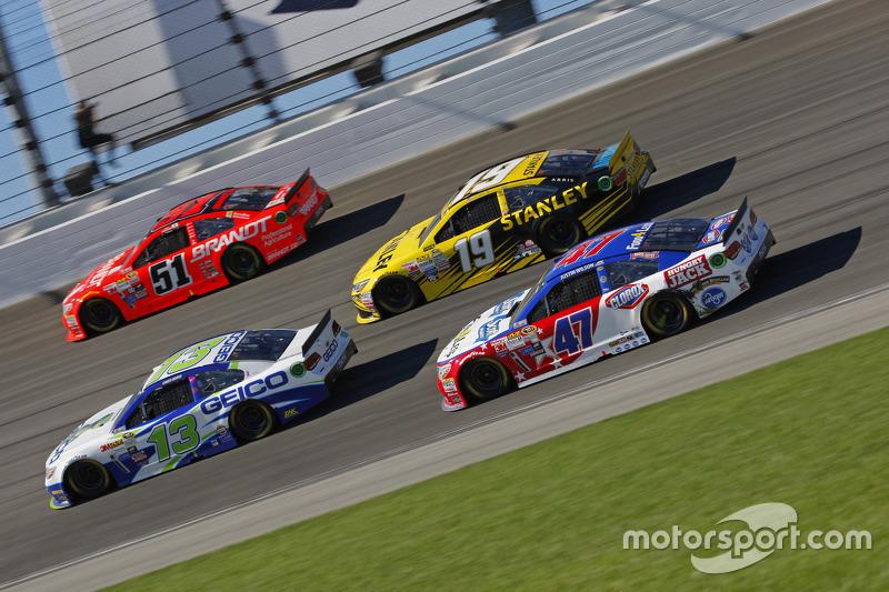 Casey Mears, Germain Racing Chevrolet; Justin Allgaier, HScott Motorsports Chevrolet; Carl Edwards, Joe Gibbs Racing Toyota; A.J. Allmendinger, JTG Daugherty Racing Chevrolet